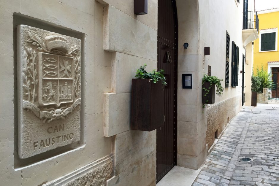 Hotel Can Faustino Menorca entrance