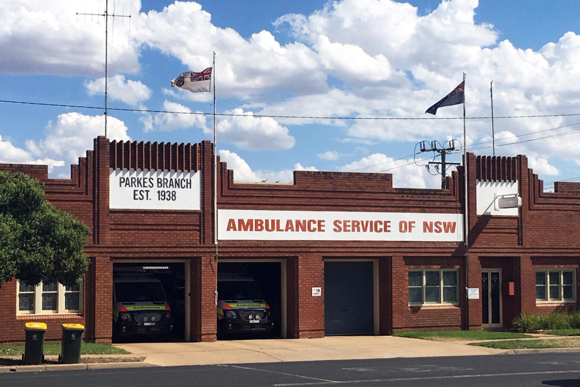 Parkes Ambulance