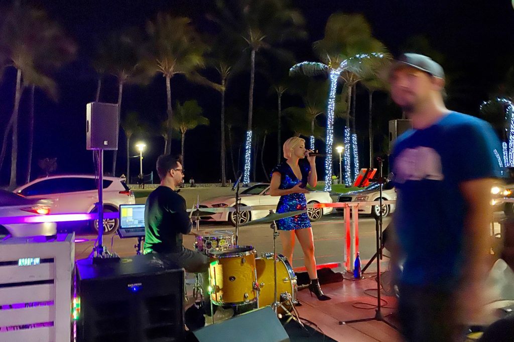 Larios on the Beach entertainment